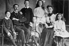 The Goodwin family. From left to right: William, Frederick, Charles, Lillian, Augusta, Jessie. At the center is Harold. Sidney is not present.