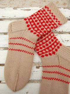 Ravelry: Project Gallery for Finnish Socks pattern by Nancy Bush