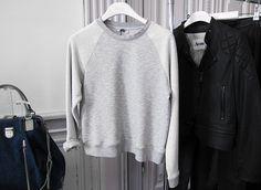 grey sweatshirt! perfection