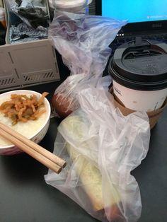 今天一定要好好慰劳自己的胃 丰盛的早餐 哈哈哈