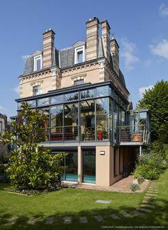 Dream Home Design, House Design, Renovation Facade, Glass Barn Doors, World Decor, Outdoor Stairs, Modern Cottage, Quirky Home Decor, Balcony Design