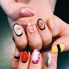 Sushi nail art