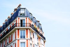 We tell you what it covers and why people buy renters insurance for apartment living -- during and after college! Property Investor, Investment Property, Investment Companies, Casas Club, Paris Itinerary, Best Vacation Destinations, Location Meublée, Mortgage Companies, Mortgage Rates