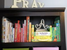 Organize children's #books by #color.