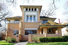 The First Houses Built by Frank Lloyd Wright: Rollin Furbeck House, 1897