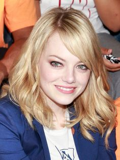 Not going blonde again but I like the style at this length or a touch longer - Emma Stone shaggy shoulder-length haircut