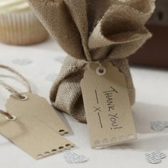 Vintage rustic style brown kraft luggage tags x 10 for use as place cards, favour tags etc at country, rustic, weddings Tea Party Wedding, Wedding Favours, Wedding Table, Diy Wedding, Rustic Wedding, Wedding Gifts, Wedding Ideas, Wedding Stationery, Wedding Inspiration