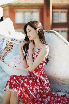 only Red Floral Dress Sexy Asian Girls, Beautiful Asian Girls, Pretty Asian, Fashion Models, Girl Fashion, Elegant Wedding Hair, Red Floral Dress, How To Look Classy, Female Portrait