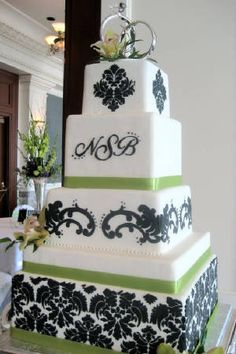 Wedding Cakes Pictures: Square Damask Wedding Cakes