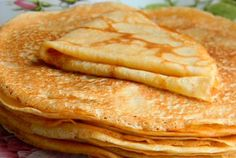 Receta Crepes - how to video Dinner For One, Greek Desserts, Greek Recipes, Sweets Recipes, Cooking Recipes, Healthy Recipes, Crepe Sale, The Kitchen Food Network, French Crepes