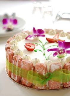 Rose Tea Cottage Cake....
