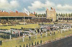"""Tijdens haar congres in Lausanne had het I.O.C. België gekozen voor het organiseren van de eerste naoorlogse Spelen in 1920. Men wilde de algemeen geprezen moed van België onderstrepen. De keuze viel op Antwerpen als gaststad. Voor de bouw van een olympisch stadion voor de """"VIIde Olympiade"""" werd gekozen voor het Kiel, het latere Beerschot stadion."""