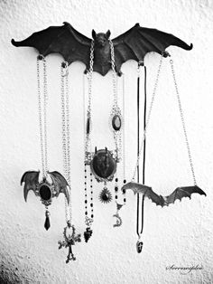I adore this vampire bat key holder and the way it can be used to show off beautiful pieces of jewelry. Smart storage hack!