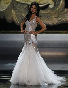 Miss Spain 2013 evening gown. miss universe 2013 competition Glam Dresses, Dresses 2013, Pretty Dresses, Pageant Pictures, Pageant Gowns, Gowns Of Elegance, Bridesmaid Dresses, Wedding Dresses, Ball Gowns