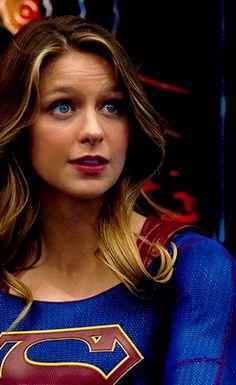 Kara Danvers Supergirl, Supergirl Tv, Supergirl And Flash, Melissa Benoist, Melissa Supergirl, Girl Memes, Gillian Anderson, Cosplay, Hot Actresses