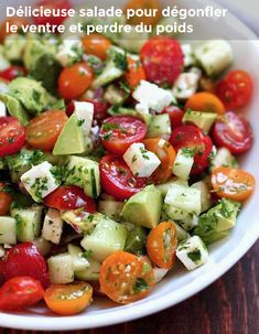 This Tomato, Cucumber Avocado Salad is making my mouth water! It looks so yumma… Dieser Tomaten-Gurken-Avocado-Salat macht mir das Wasser im Mund zusammen ! Es sieht so lecker aus! Salade Healthy, Healthy Salad Recipes, Healthy Snacks, Vegetarian Recipes, Healthy Eating, Cooking Recipes, Keto Recipes, Recipes Dinner, Dinner Healthy