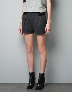 SHORT JOGGING BOTTOMS WITH ZIPS - Woman - New this week - ZARA United States