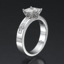 Holyland-2.7 CT VVS REAL DIAMOND ACCENTED PROMISE RING 18K GOLD