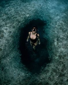 """""""The Big Blue"""": Astonishing Underwater And Freediving Photography By John Kowitz Underwater Photographer, Underwater Photos, Underwater Caves, Cave Diving, Scuba Diving, Scuba Girl, Open Water Swimming, Maui Vacation, Great Barrier Reef"""