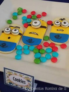 Despicable Me Minions Cookies Party Minion Treats, Minion Cookies, Minion Cupcakes, Minion Theme, Minion Birthday, Despicable Me Party, Minion Party, Cookies For Kids, Cute Cookies