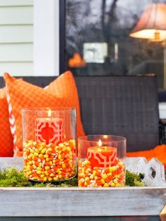 ~ dreadfully decorative Halloween porch decorating ideas