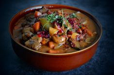 Venison Pot with Vegetables and Chunky Potato Mash - New Scandinavian Cooking Side Recipes, Great Recipes, Yummy Eats, Yummy Food, Venison Meat, Scandinavian Food, Feel Good Food, Main Dishes, Stuffed Mushrooms