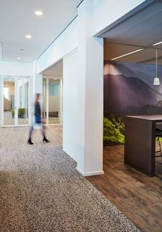 Here's a great case study from Kas Bank in The Netherlands of how to create a defined room divide using LVT and carpet tiles. Products shown: Level Set Woodgrains and Human Nature. Available worldwide. Hall Carpet, Carpet Tiles, Red Carpet, Luxury Vinyl Tile, Commercial Design, Carpet Runner, Design Projects, Runners, Flooring