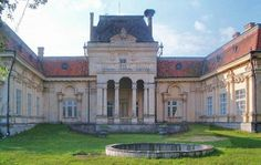 Patakalja Balassa-kastély French Chateau, Ancient Architecture, Czech Republic, Homeland, Budapest, Beautiful Places, Explore, Mansions, House Styles