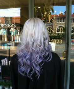 Silver purple ombre hair color with natural waves, this balayage hairstyle is so amazing