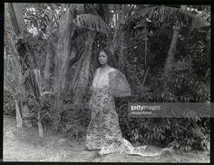 A Philippino girl. Get premium, high resolution news photos at Getty Images Old Photos, Vintage Photos, Fashion Images, Women's Fashion, Model Minority, Philippine Women, Philippines Culture, Filipino Culture, Filipiniana