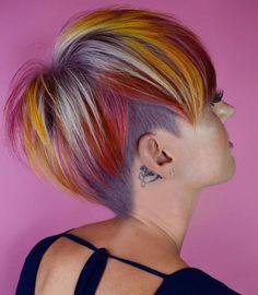 Short Layered Bob Haircuts, Short Hair Cuts, Short Hair Styles, Short Bob Hairstyles, Pretty Hairstyles, Pixie Haircuts, Color Fantasia, Global Hair, Crazy Hair