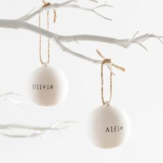 Personalised ceramic bauble with natural twine   hardtofind.