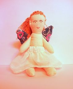 Schmetterlingsmädchen von FrauRabe auf DaWanda.com Rabe, Disney Characters, Fictional Characters, Aurora Sleeping Beauty, Etsy, Disney Princess, Stuffed Toys, Puppets, Fantasy Characters