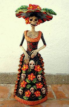 of the dead de los muertos skull Mexican Folk Art, Mexican Style, Mexican Crafts, Mexican Skulls, Art Chicano, Catrina Tattoo, Mexican Holiday, All Souls Day, Day Of The Dead Skull