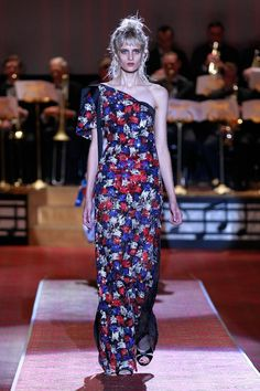 Marc Jacobs Spring 2016 as seen on Sienna Miller