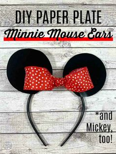These are the EASIEST DIY Minnie Mouse ears ever! And guess what? They're made with paper plates! Click through for the tutorial, and to see how to make Mickey Mouse ears, too! Mickey Mouse Headband, Mickey Mouse Halloween, Mickey Mouse Ears Headband, Mickey Ears, Halloween Kostüm, Halloween Costumes, Couple Halloween, Mouse Crafts, Kids Crafts