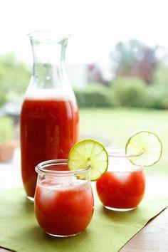 Strawberry Lime Agua Fresca recipe on @goodlifeeats www.goodlifeeats.com