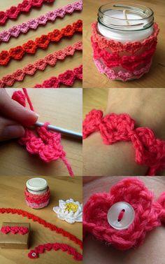 Fantastický video návod, ako háčkovať rozkošné miniatúrne srdiečka. Vyrobíte si ich jednoducho a môžete ich použiť na dekoráciu rôznych predmetov. Pripevnite ich na šatku, náramok alebo ich môžete využiť ako vzory na deku a sveter.