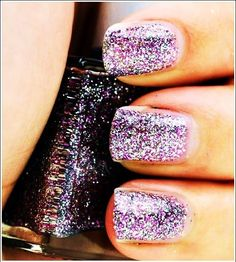glitter nails New Year's Nails, Get Nails, Love Nails, How To Do Nails, Hair And Nails, Dawn Of Justice, Gorgeous Nails, Pretty Nails, Amazing Nails