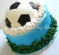 soccer cake - could this be a volleyball cake? Soccer Birthday Cakes, Soccer Cakes, Football Cakes, Soccer Party, Soccer Ball, Cute Cakes, Yummy Cakes, Cake Cookies, Cupcake Cakes