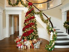Celebrity Holiday Homes   Holiday Decorating and Entertaining Ideas & How-Tos   HGTV