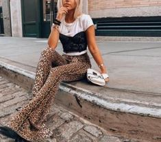 Check out all our leopard print fashion Leopard Leggings, Women's Leggings, Leopard Pants Outfit, Fashion Pants, Fashion Outfits, Womens Fashion, 2000s Fashion, Fashion 2020, Fashion Trends
