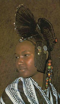 Africa : Guinea young woman's Typical Hairstyle . Vintage 1970s