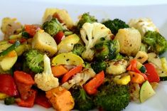Roasting is one of the easiest and most delicious ways to cook your vegetables, so heat up your oven and give it a try with your favorites! Mix Vegetable Recipe, Roasted Vegetable Recipes, Vegetable Medley, Veggie Recipes, Vegetarian Recipes, Healthy Recipes, Vegetarian Grilling, Healthy Grilling, Snack Recipes