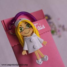 www.unpocodetodo.org - Salvabolsillosde Andrea, Tais, Noelia y Aurea - Salvabolsillos - Broches - Goma eva - crafts - custom - customized - enfermera - enfermeria - foami - foamy - manualidades - nurse - personalizado - portabolis - 9
