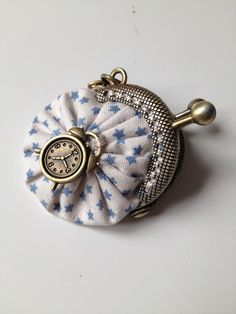 OMG, so adorable! Small Coin Purse, Mini Purse, Tote Purse, Clutch Bag, Yo Yo Quilt, Diy Wallet, Frame Purse, Little Bag, Knitted Bags