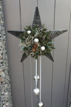 Hoge Ster Great for a door wreath Christmas Makes, Christmas Star, Winter Christmas, Christmas Wreaths, Christmas Ornaments, Art Floral Noel, Deco Floral, Christmas Inspiration, Xmas Decorations