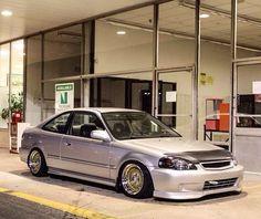 Ek coupe Honda Hatchback, Honda Vtec, 2000 Honda Civic, Honda Civic Coupe, Slammed Cars, Jdm Cars, Classic Japanese Cars, Japanese Domestic Market, Vanz