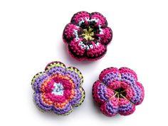Retro Flower Pincushion Crochet Pattern | kardiomuffelchen