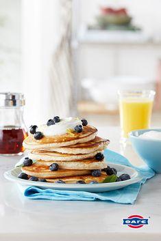 Πρόσθεσε μια πλούσια κουταλιά Total ανακατεμένο με 1-2 σταγόνες βανίλιας και απογείωσε τα pancakes πρωινού!  #TotalGiaourtiFage #StraggistoGiaourti   #giaourti #pancakes #PancakesMeGiaourti #PancakesMeTotal #TotalProino Protein, Brunch, Pancakes, Breakfast, Food, Powdered Milk, Good Things, Yogurt, Morning Coffee